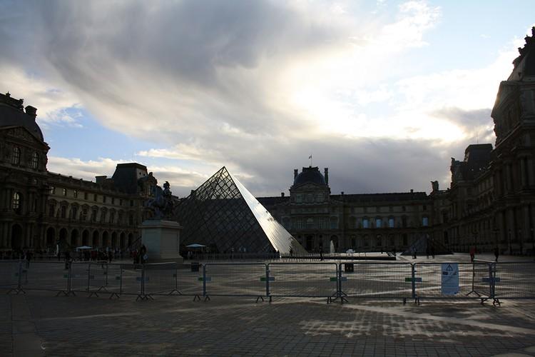 Советуем прогуляться по Парижу и вечером, и ранним утром
