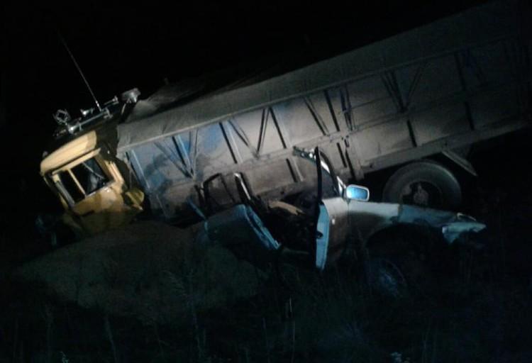 Все пять пассажиров иномарки скончались на месте