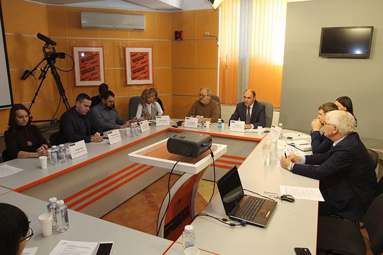 В круглом столе приняли участие представители министерств Иркутской области, институтов поддержки бизнеса региона, общественных организаций, предпринимательского сообщества.