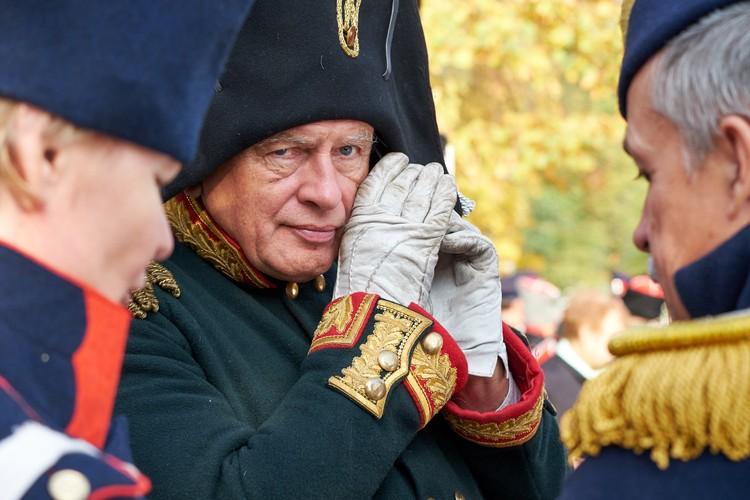 Ради того, чтобы читать мемуары Наполеона и его соратников в оригинале, Соколов даже выучил французский язык.