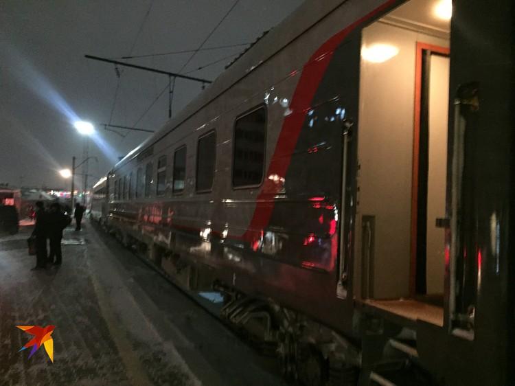 Из Барнаула спецсостав снова вернется в Москву, но уже без премьера и его сопровождающих (они полетят самолетом).