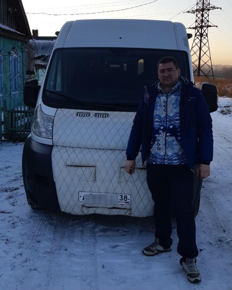 Андрей Банин и его рабочий автомобиль. Фото: личный архив Андрея Банина.