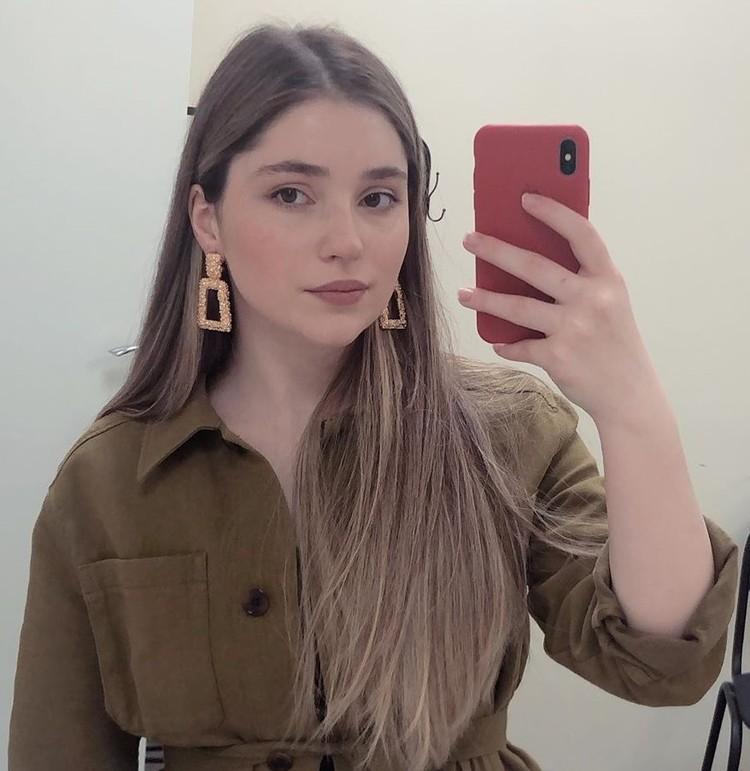 18-летняя Рагда Ханиева после окончания школы переехала в Москву