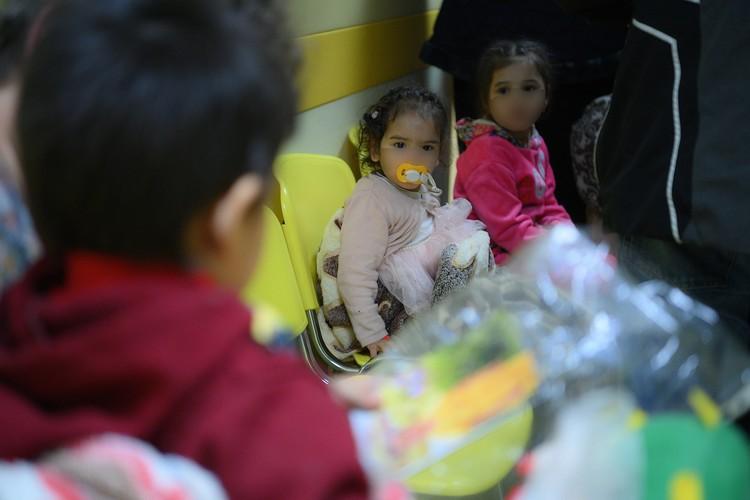 Всех детишек из аэропорта привезли в Национальный медицинский исследовательский центр здоровья детей. Фото: Пресс-служба Уполномоченного по правам ребенка