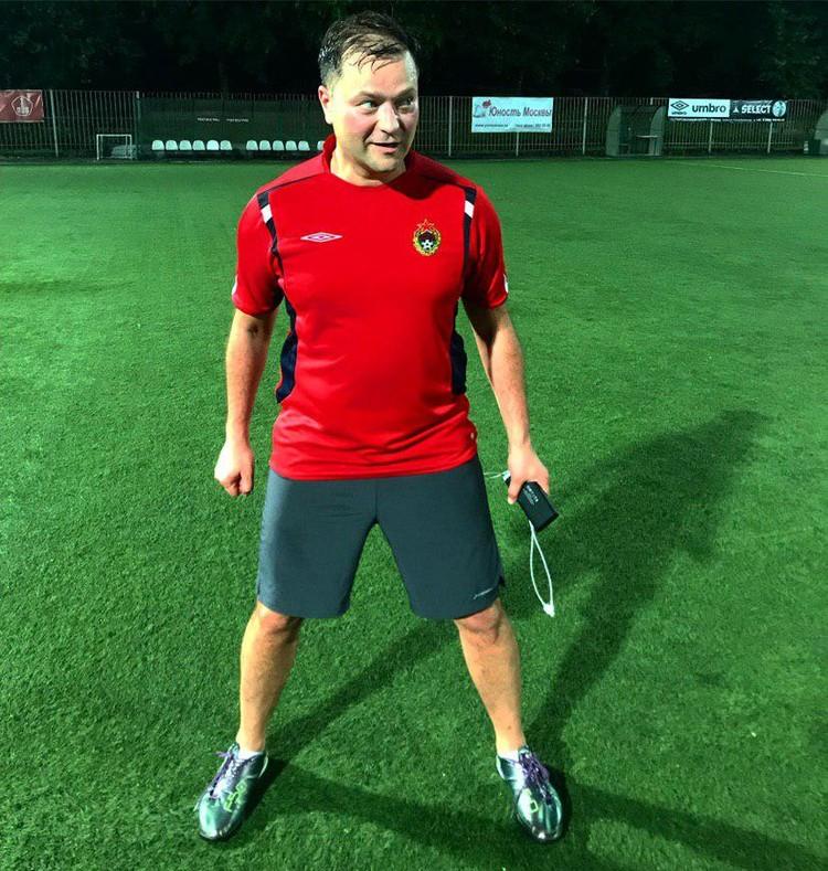 Никита Исаев старался держать форму, каждую неделю выходил на футбольное поле.