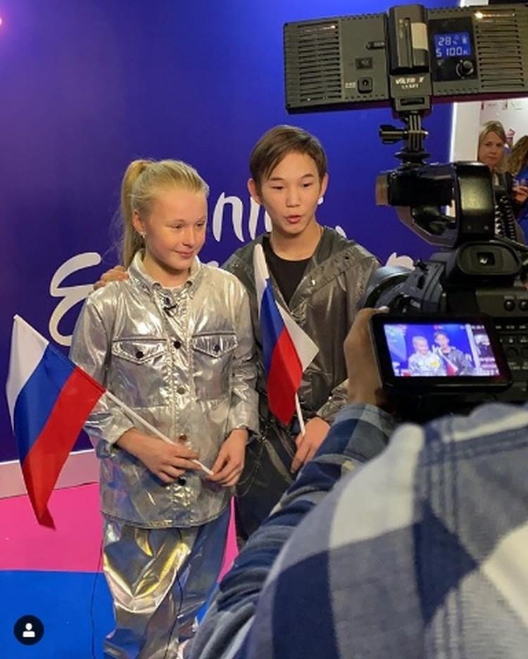 Денберел и Татьяна вышли на сцену третьими Фото: Соцсети