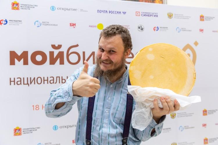 После выступления известный сыровар Олег Сирота консультировал начинающих предпринимателей о специфике фермерского бизнеса.