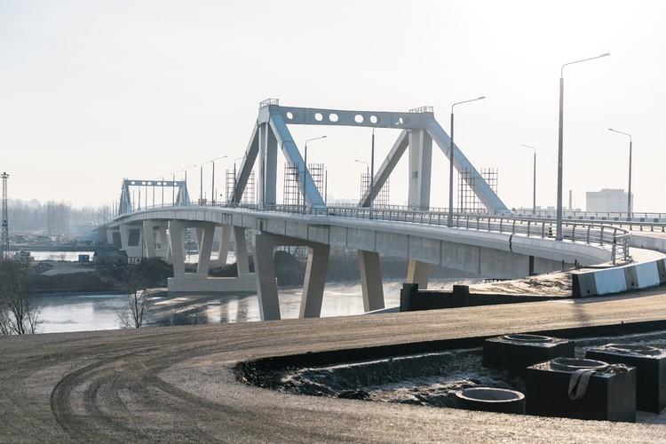 Мост уже практически готов, остались только мелкие штрихи