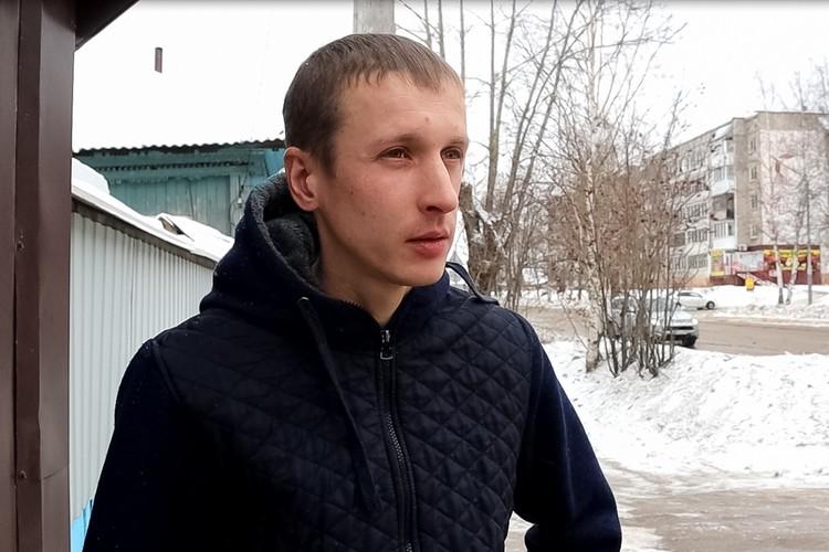 Сергей говорит, что собачий лай из этого гаража доносится уже лет пять.
