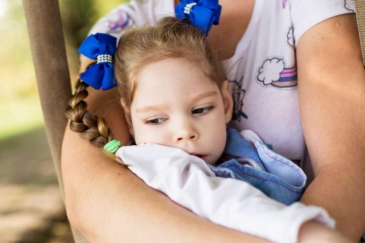 Столичные врачи поставили девочке диагноз ДЦП. Фото: Яна ПЕТРЕНКО