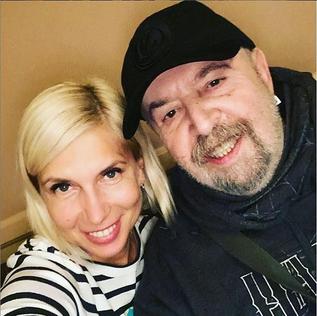 Алена всегда видится с Владимиром Цеслером, когда приезжает в Минск. Селфи из последней поездки. Фото: личный архив