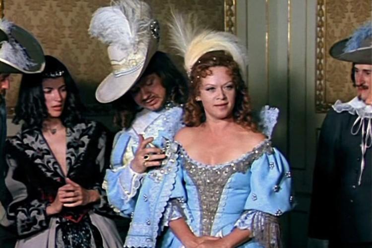 «Д'Артаньян и три мушкетёра» и, пожалуй, одна из самых запоминающихся ролей Алисы Фрейндлих - королева Анна Австрийская. Фото: Кадр из фильма