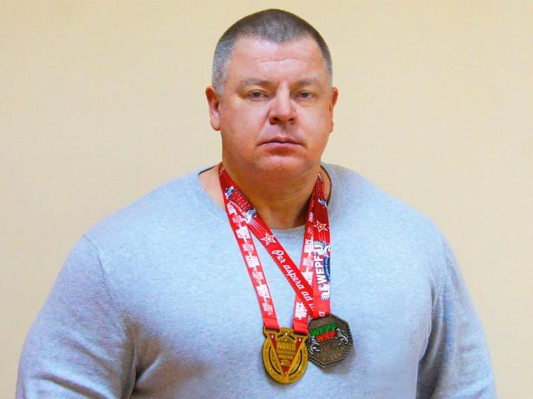 Спортсмен вернулся в родной город с двумя золотыми медалями.