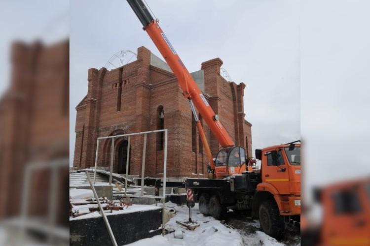 Аркади уверен, что церковь является объединяющей структурой, при наличии которой шаги по сохранению армянства станут более действенными и эффективными.