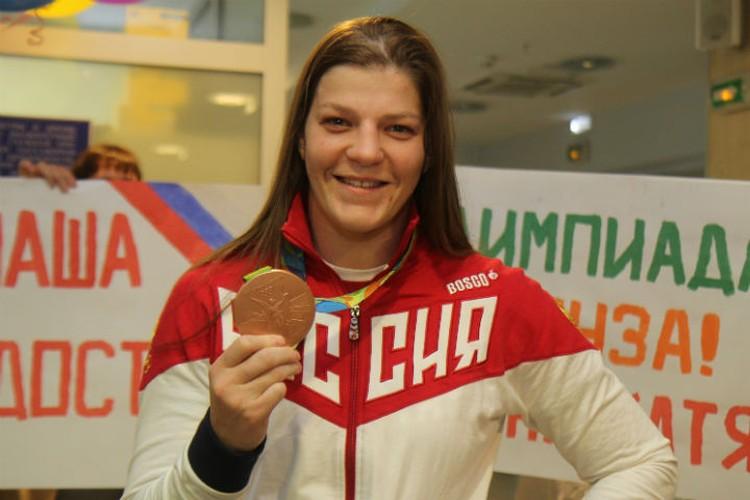 Екатерина Букина с бронзовой медалью прошлой Олимпиады в Рио.