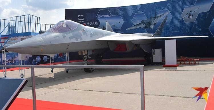 Истребитель Су-57Э на Международном авиационно-космическом салоне МАКС-2019.