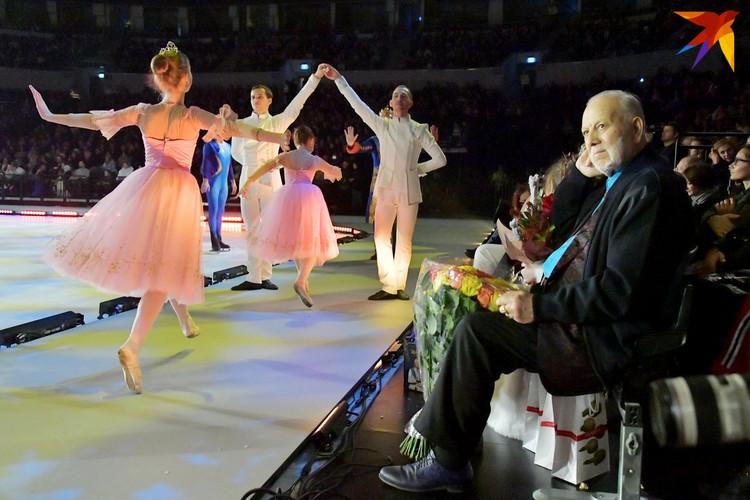 87-летний Бедрос Киркоров приготовил для продюсера шоу Яны Рудковской шикарный букет.