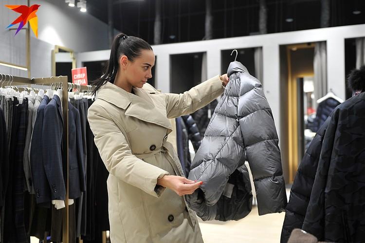 В непродовольственном сегменте наиболее загадочным выглядит падение доли затрат на одежду
