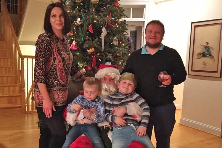 Русская семья в Вашингтоне: Даша, Влад и их двое детей.