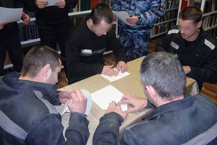 Ловкость рук рязанских заключенных отметили сладкими подарками. Фото: УФСИН России по Рязанской области.