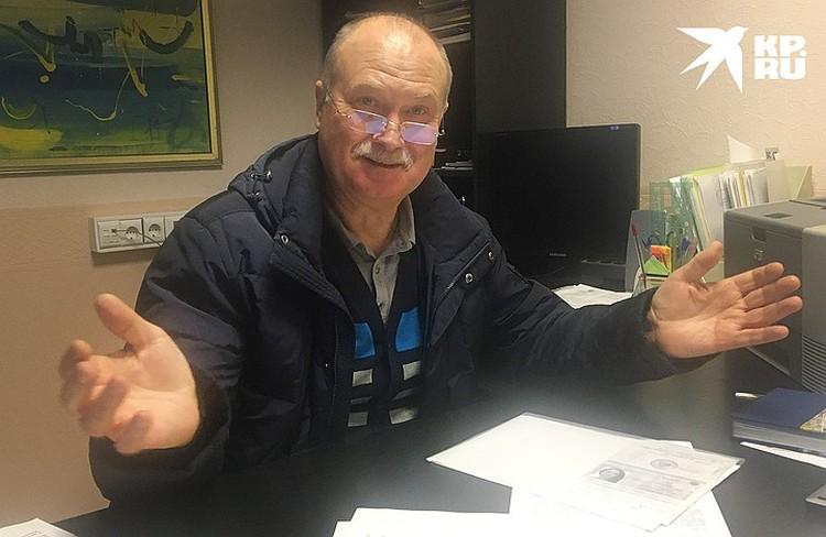 """В Киришах я приехала в заброшенный бизнес-центр по адресу регистрации одной из фирм Воронова, а мне и говорят: """"Мы сами его ищем"""". На фото: исполнительный директор фирмы «Эко Парк» Виктор Косухин."""