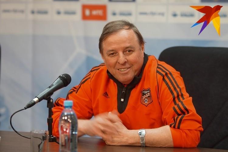 Уже после болезни Тарханов руководил «Крыльями Советов», «Уралом», «Химками», московской «Никой» и болгарской «Славией»