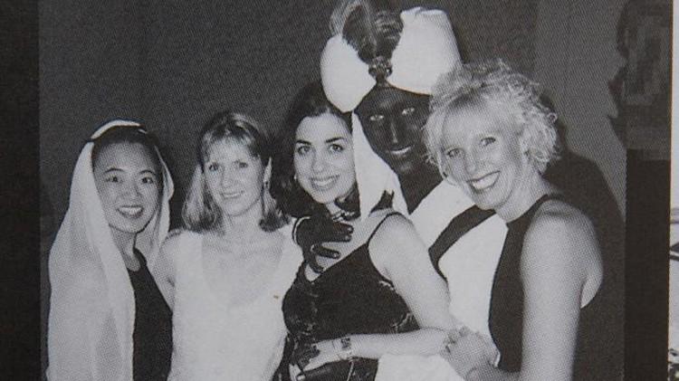 Джастин Трюдо недавно пережил скандал: противники откопали его старое фото в черном гриме и белом тюрбане с закрытой вечеринки.