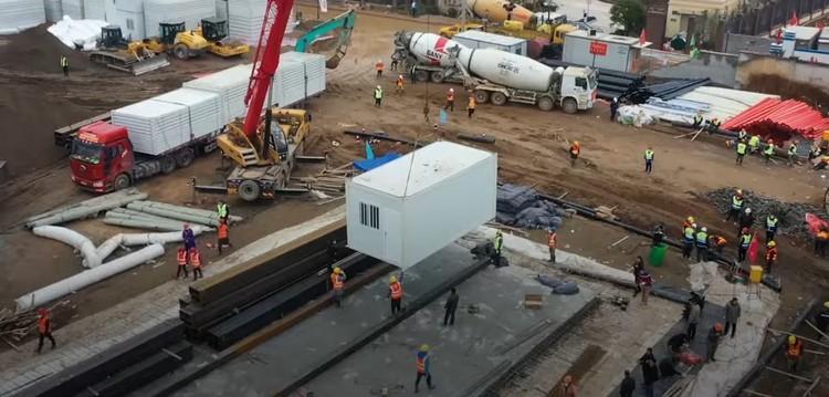 Оказалось, что слишком многого ждать не стоило. Та самая больница для зараженных будет представлять собой модульный городок, состоящий из обычных строительных вагончиков.