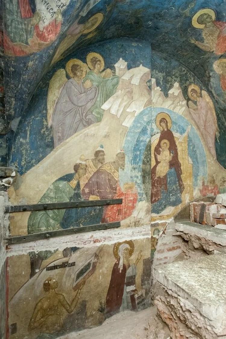 Благодаря тому, что фрески были скрыты, их краски не потускнели и не осыпались. Фото пресс-службы Музеев московского кремля