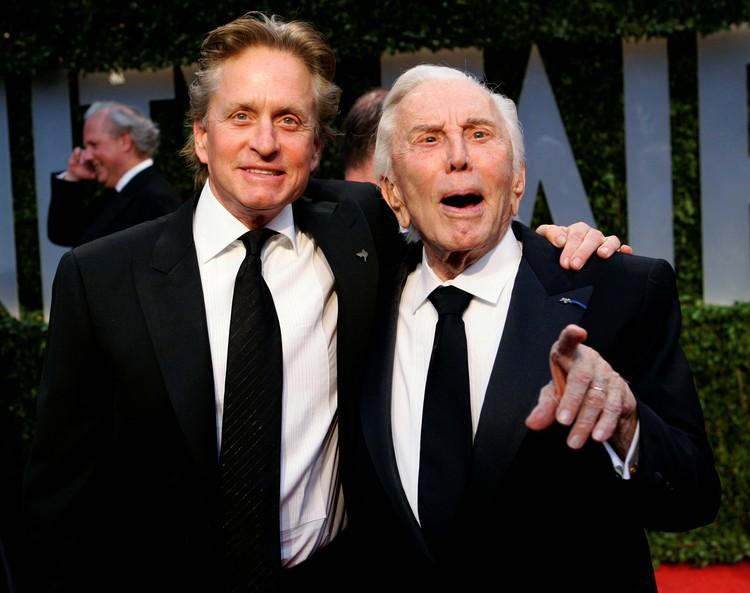 Два знаменитых голливудских актера, два Дугласа – Кирк и Майкл