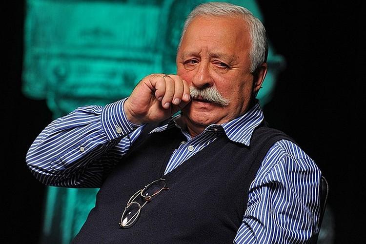 Леонид Якубович говорит, что точной суммы пенсии не знает, так как все перечисляет на благотворительность