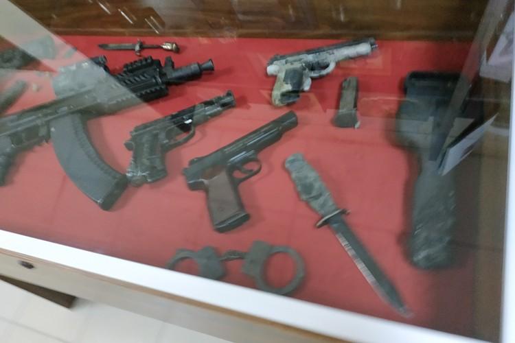 """Личное оружие """"Гиви"""", верней, что от него осталось после взрыва"""
