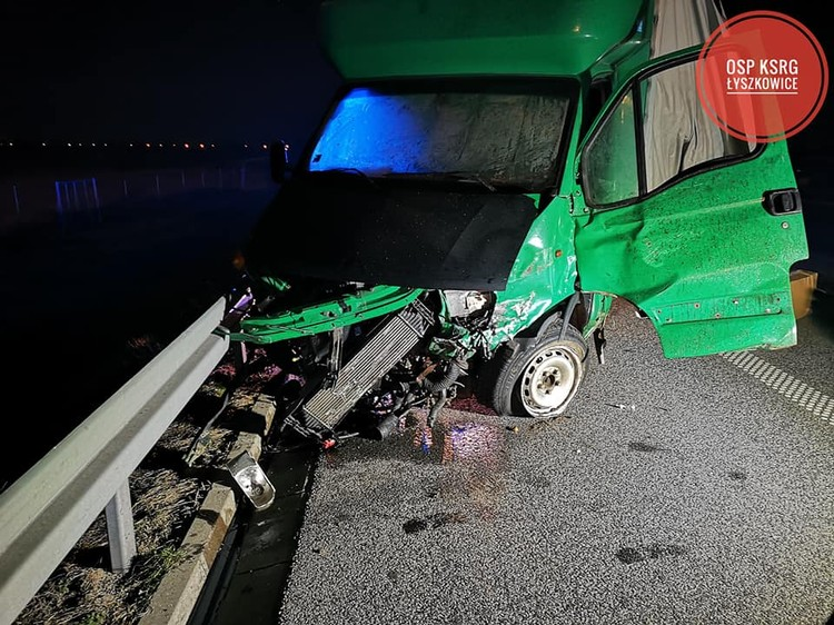 За рулем фургона службы доставки ехал белорус. Фото: Osp KSRG Łyszkowice