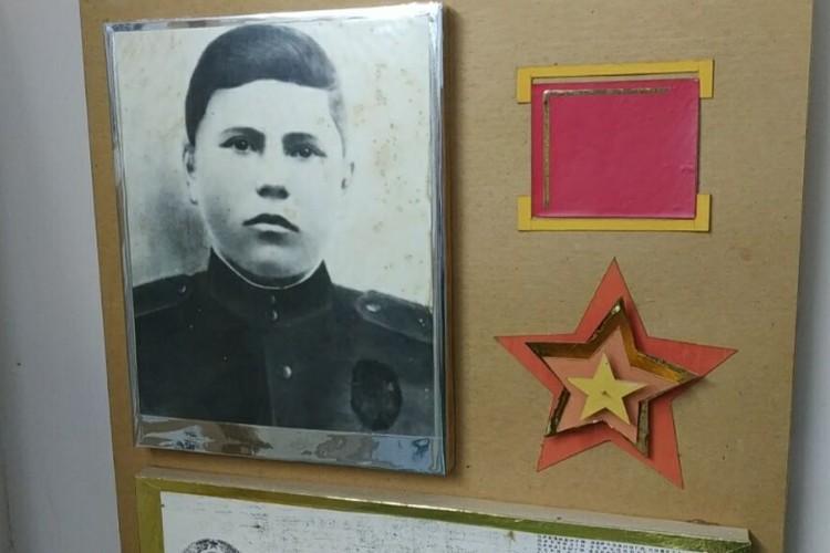 Фото Ивана Солтыса в музее села Кузьмин. Фото Елена Левицкая-Пахомова.