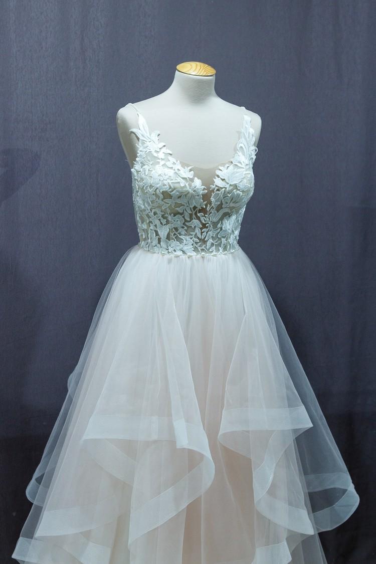 Средний ценник за платье от 20 000 до 40 000 рублей за имеющуюся модель. Фото: Диля Ахмадишина