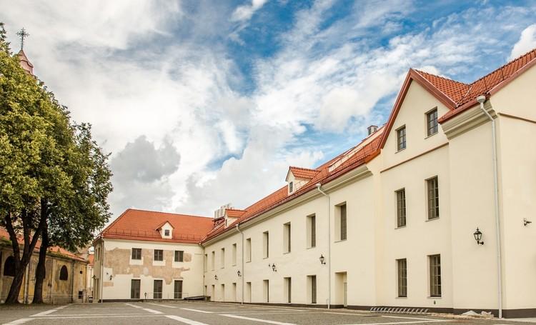 Учебный корпус ЕГУ расположен в самом сердце Старого города Вильнюса.