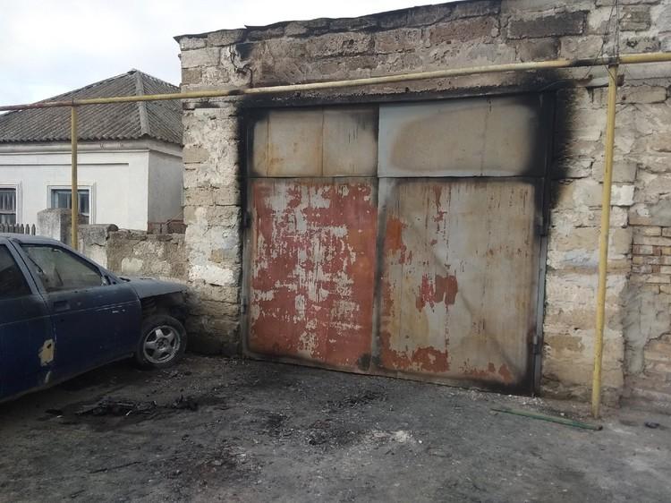 За день до визита ФСБ у семьи Даниила сгорел гараж.