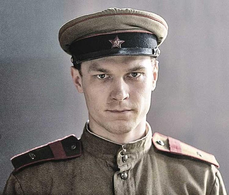 Сыгравший Константина Калашникова актер. Похожи? Фото: Кадр из фильма.
