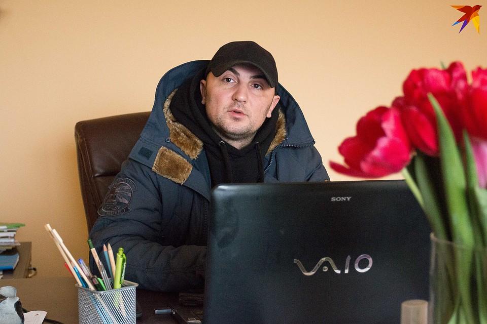 Андрей Кухарчук в хозяйстве директор.