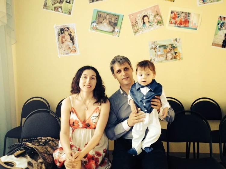 Дочка Гульджан с мужем и внуком. Фото: Архив героя публикации.