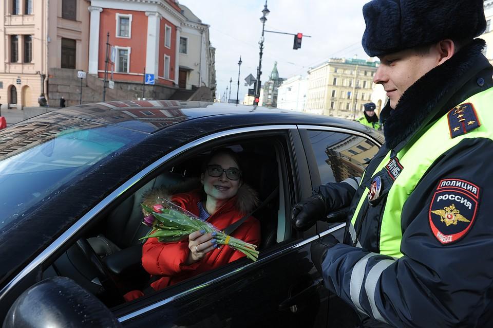 Поздравление с 8 марта полицейских