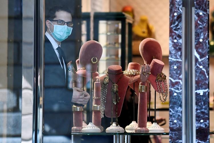 Эпидемия коронавируса в Италии и не думает стихать