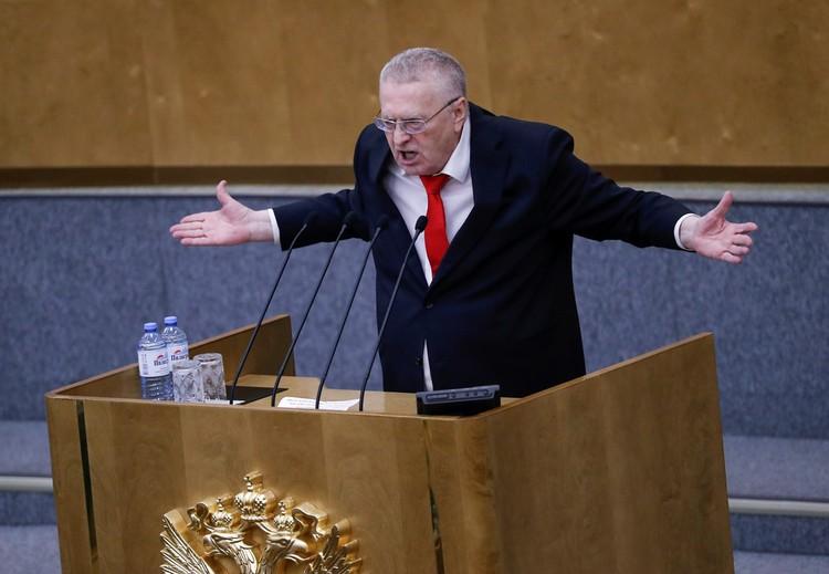 Жириновский пригрозил отключившему ему микрофон сотруднику арестом, что вызвало бурный смех его коллег