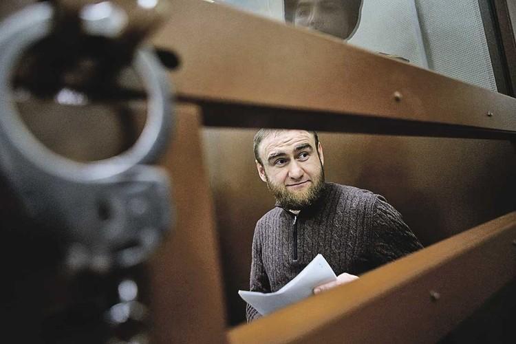 Экс-сенатор Рауф Арашуков доволен новым соседом по камере - экс-министром Абызовым.