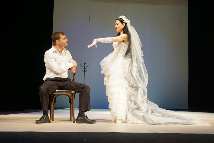 Спектакль поставлен по пьесе французского драматурга Жанна Ануя.