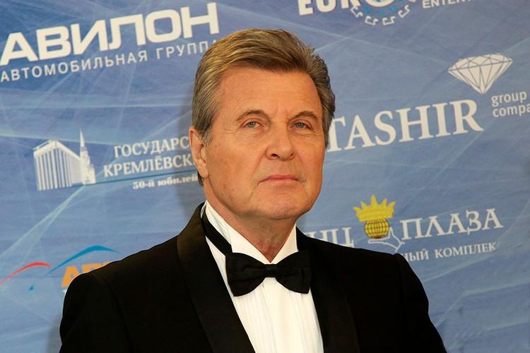 Певец Лев Лещенко заразился коронавирусом.