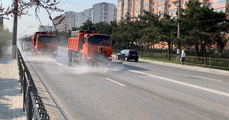 Техника ГБУ «Севастопольский Автодор» на улицах города