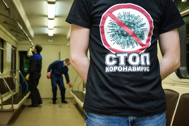 Коронавирус в России пока не отступает.