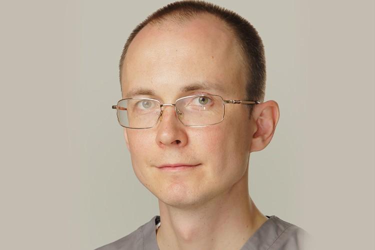Наш эксперт – главный врач клиники «МедГарант», стоматолог-ортопед Александр Киселев. Фото: личный архив.