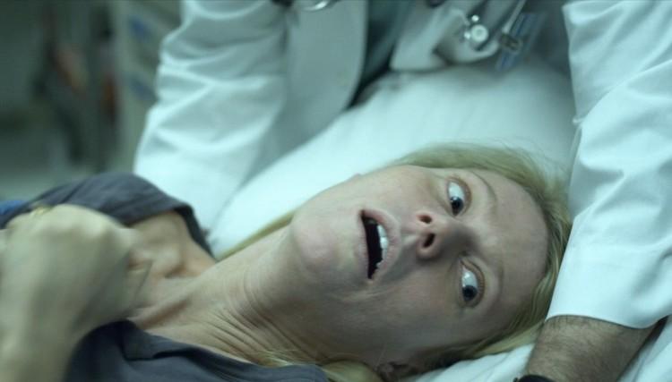 """Кадр из пророческого голливудского фильма """"Заражение"""" 2011 года."""